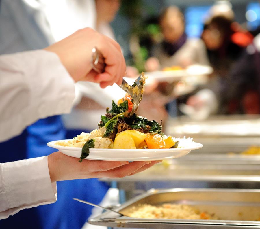 Членам британского парламента поднимут зарплату на £10 тыс. в год, но отменят 15-фунтовые выплаты на ужин