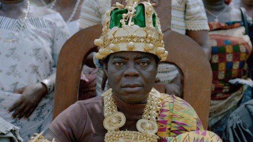 Африканский король-механик, правящий по скайпу, лишился сразу четырёх корон