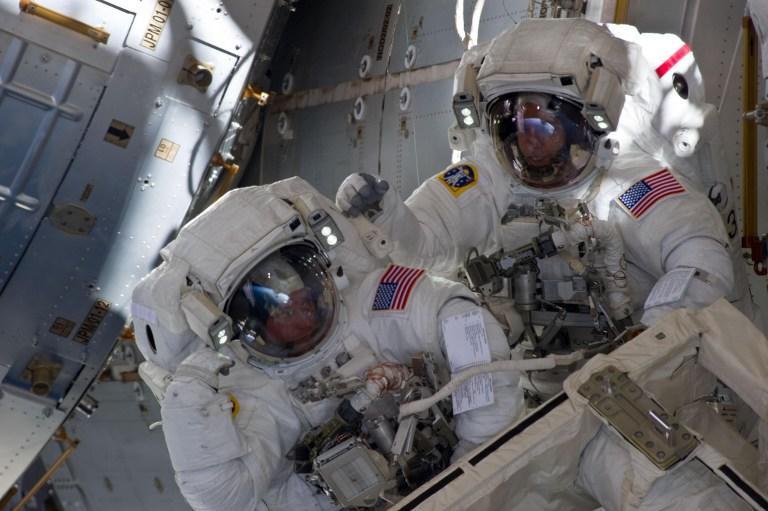 Утечку аммиака на МКС американские астронавты будут устранять самостоятельно