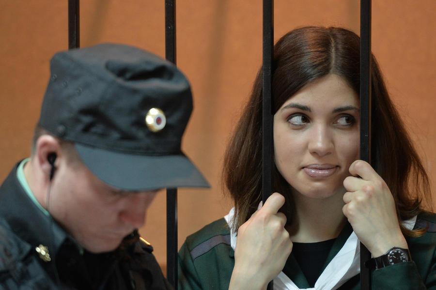 ФСИН: Защита Толоконниковой шантажировала начальника колонии