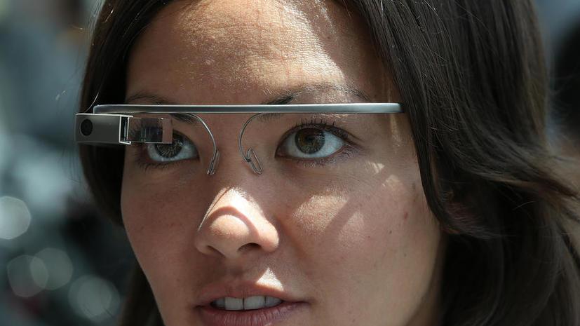 В Великобритании запретят пользоваться Google Glass за рулём