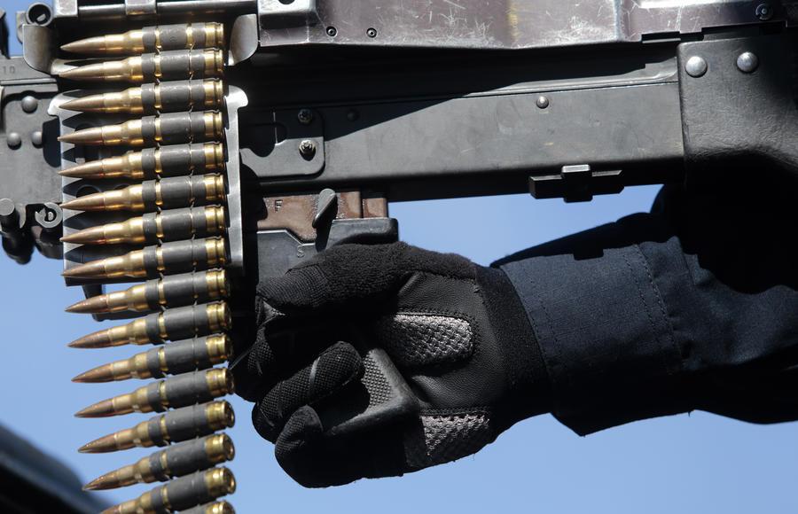 Вооружённые активисты прошлись по Сент-Луису в поддержку права на открытое ношение оружия