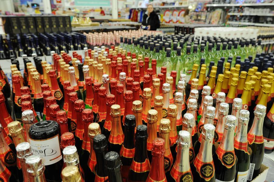 СМИ: В России подорожают алкоголь, услуги кабельного и спутникого ТВ и некоторые лекарства