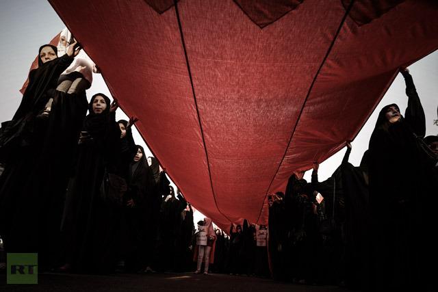 Шииты Бахрейна требуют отставки правительства