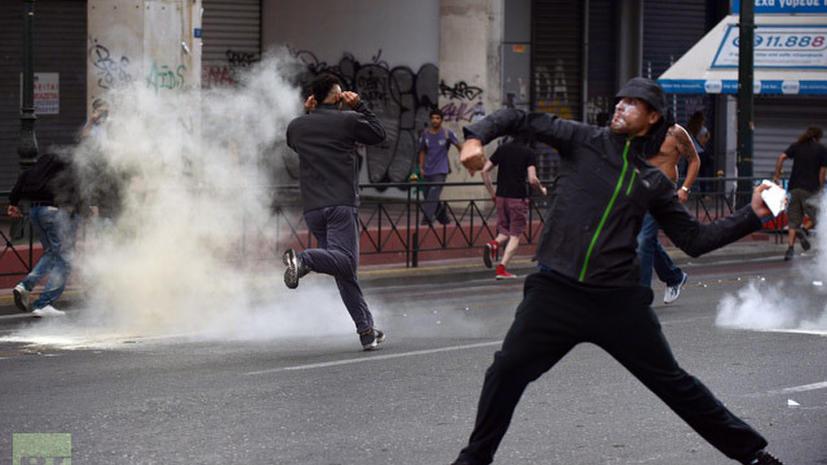 Греки встретили Ангелу Меркель беспорядками