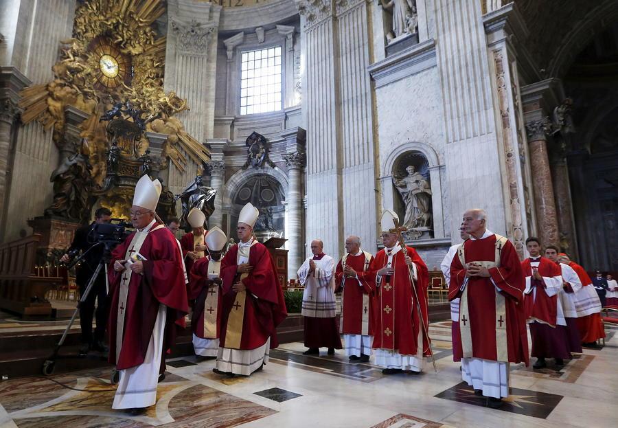 СМИ: Журналисты предстанут перед судом за разглашение коррупционных секретов Ватикана