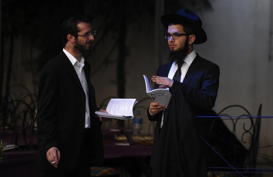 Израильские раввины поссорились из-за кошерных сигарет