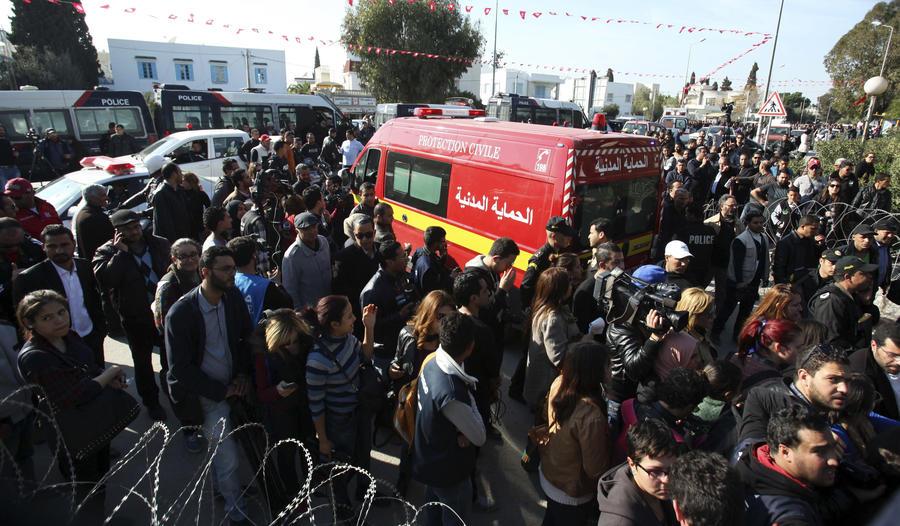 Премьер-министр Туниса: При нападении террористов на музей Бардо пострадал россиянин