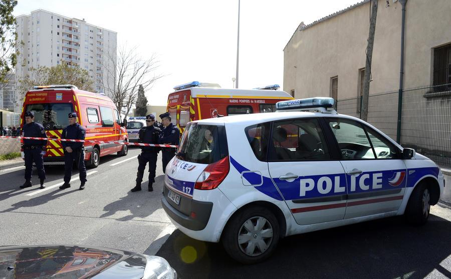 Французские полицейские убили преступника, который захватил заложников в Марселе