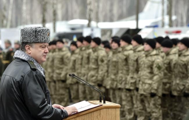 Немецкие СМИ: Пока Москва призывает к миру, Киев просит на Западе оружие