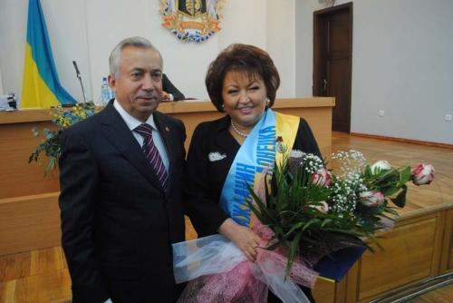 Мэр Донецка передал ключи от здания исполкома сторонникам федерализации