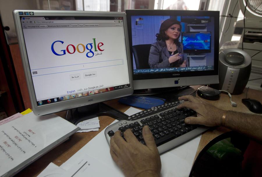 Власти Великобритании запросят у Google, Facebook и Twitter данные пользователей-экстремистов