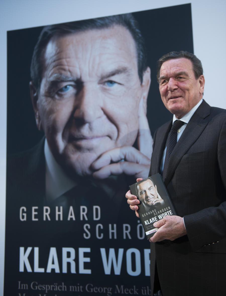 Герхард Шрёдер удивлён, что АНБ следили за Меркель после его ухода