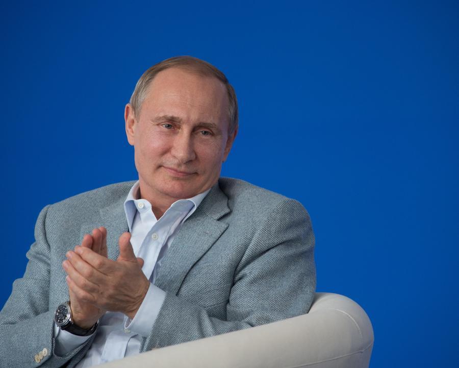 Французские СМИ: Трамп — шут, Саркози — лицемер, но оба мечтают стать Владимиром Путиным