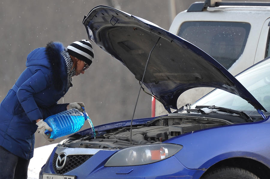 Столичная полиция и водители будут вместе искать поддельную «незамерзайку»