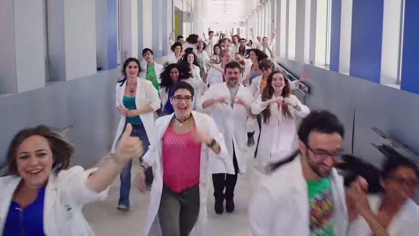 Танец против рака: Испанские врачи сделали музыкальный клип в рамках сбора средств на исследования