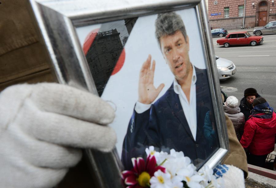 Эксперт: Убийство Немцова может быть связано с расстрелом редакции Charlie Hebdo