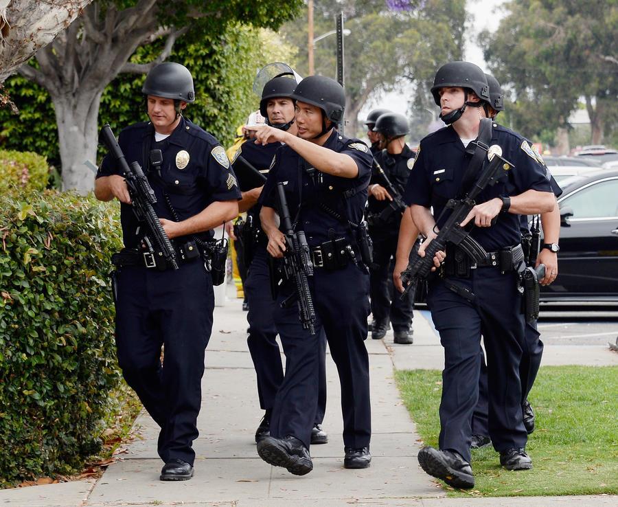 В результате стрельбы в колледже Санта-Моники погибли четыре человека