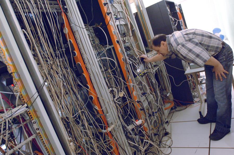 Минкомсвязи РФ предлагает нанять 200 тыс. мигрантов для работы в IT-сфере