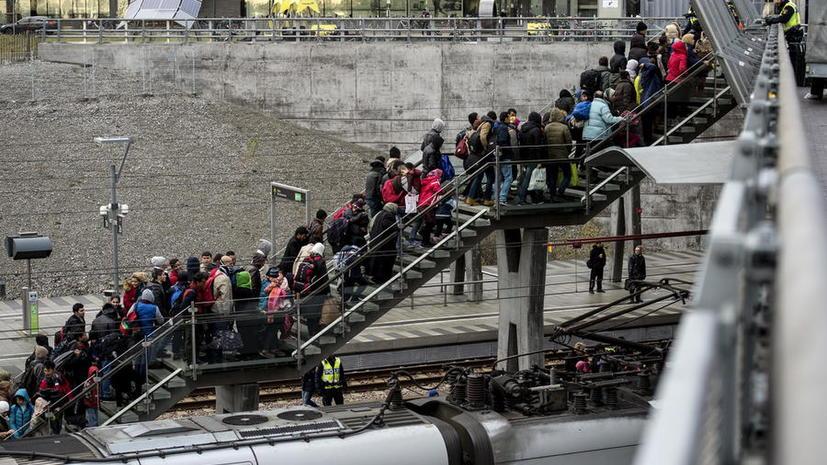 Власти Швеции могут выслать до 80 тыс. беженцев