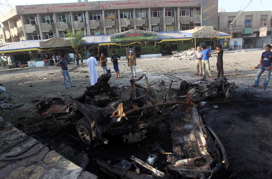 Три мощных взрыва прогремели в шиитском районе Багдада: число жертв достигло 92