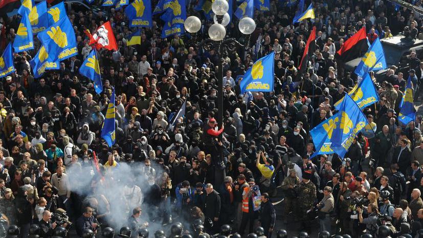 The Wall Street Journal: Попытка Киева объявить СССР преступным режимом расколет Украину