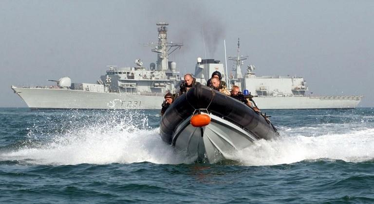 Британские ВМС по ошибке запустили торпеду в док, где заправляются атомные подводные лодки