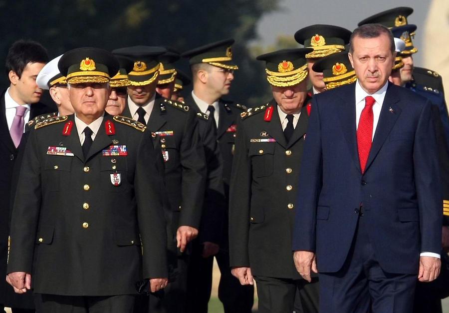 Турецкие власти пригрозили оппозиционерам военным ударом