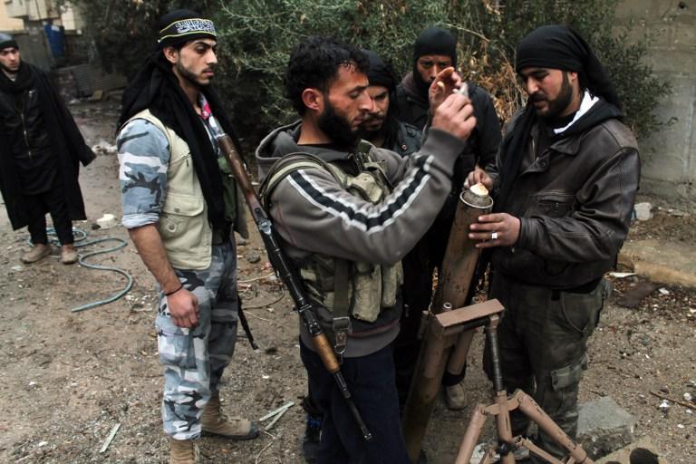 «Аль-Каида» против Свободной сирийской армии: боевики убивают друг друга в уличных боях