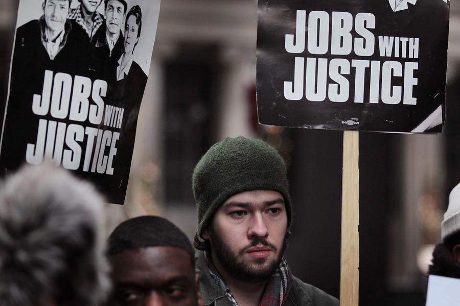 На каждую открытую вакансию в США претендуют трое безработных американцев