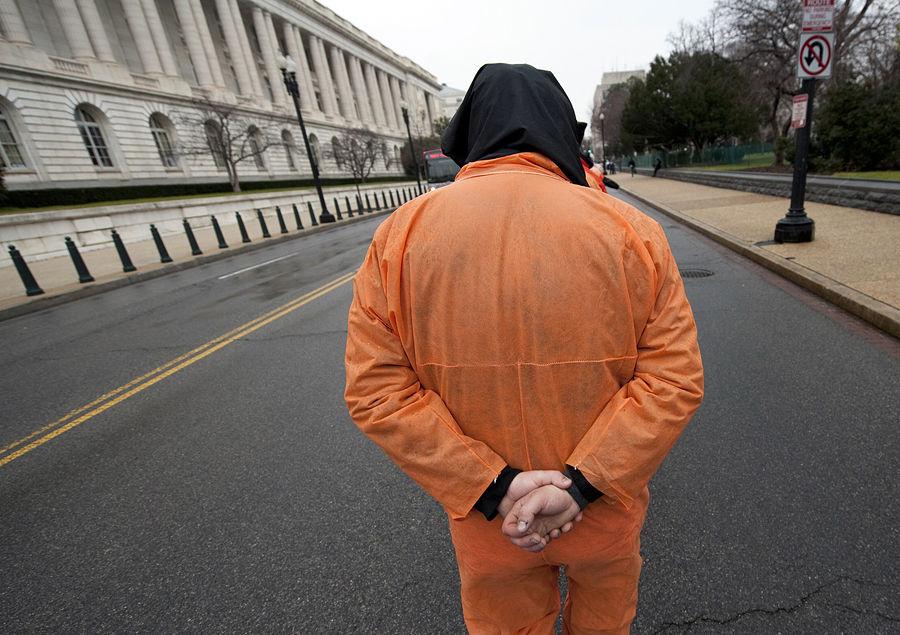 Заключенный Гуантанамо сошел с ума от пыток водой