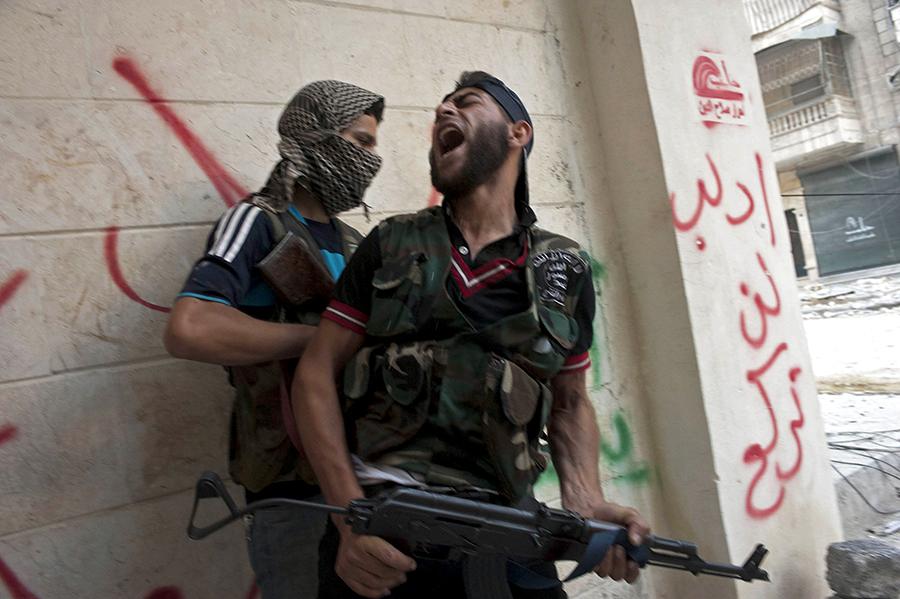 Запад вооружит сирийских повстанцев