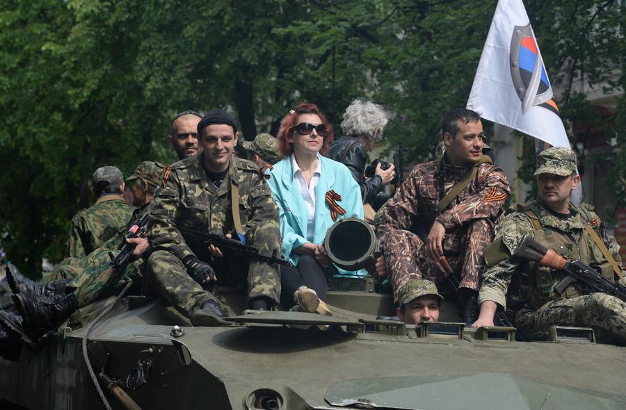 СМИ: Жители Славянска считают вооружённых ополченцев своими защитниками