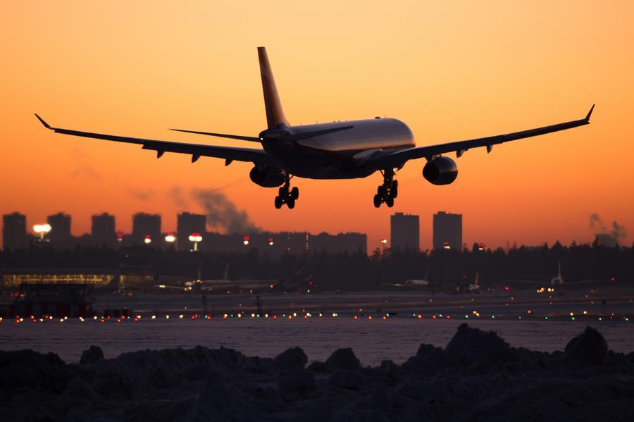 Украинские власти запретили гражданским самолётам России летать в Донецк и Харьков
