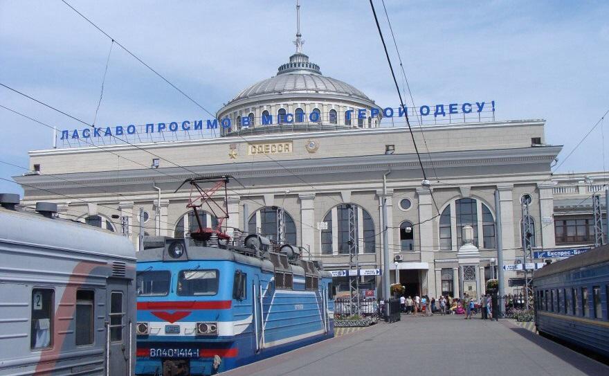 Насильственная украинизация: одесситы возмущены заменой песен Леонида Утёсова на новые хиты