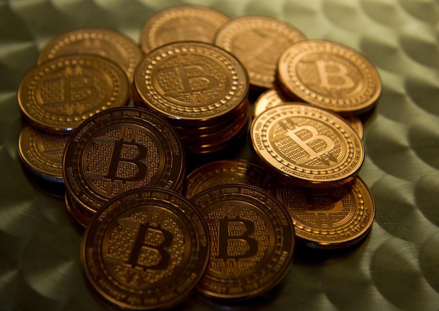 Правительство РФ намерено запретить в стране виртуальные деньги