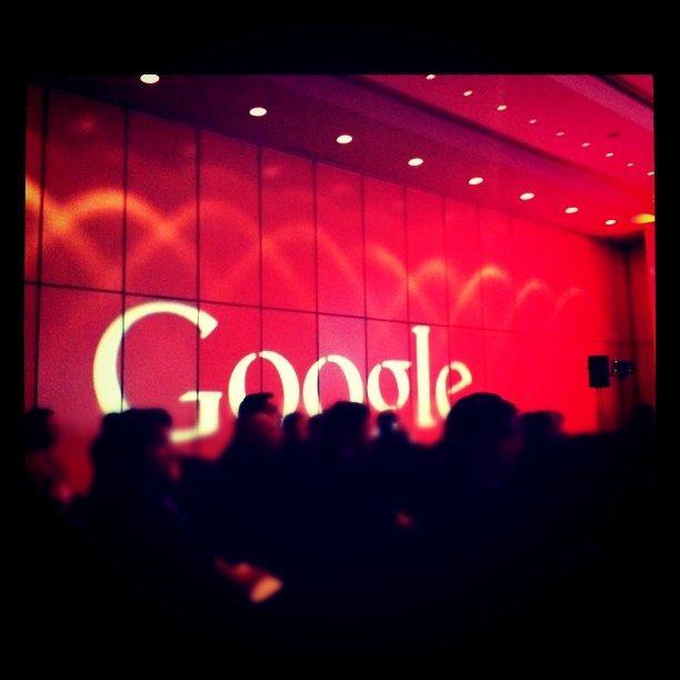 Facebook и Google не намерены добровольно шпионить за пользователями из Великобритании