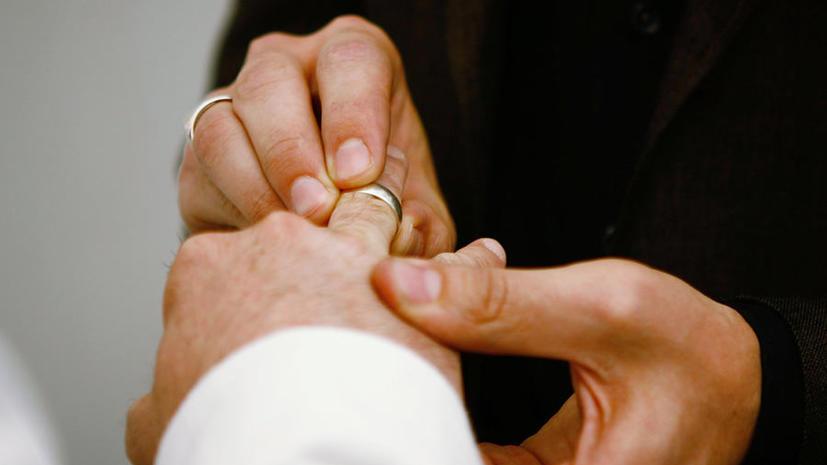 В США умственно отсталым парам отказывают в праве жить полноценной супружеской жизнью