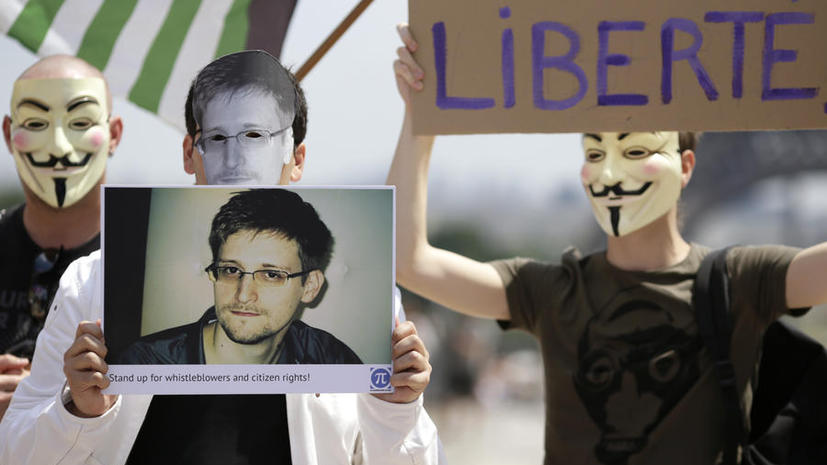 Французские сенаторы призывают предоставить Эдварду Сноудену политическое убежище