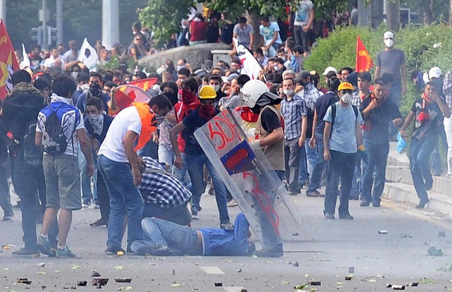 Anonymous атаковали сайты турецкого правительства в знак поддержки демонстрантов