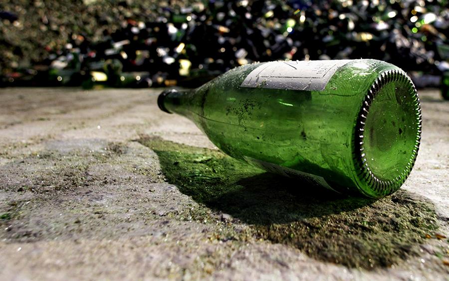 Послание в бутылке выбросило на берег после 76 лет плавания