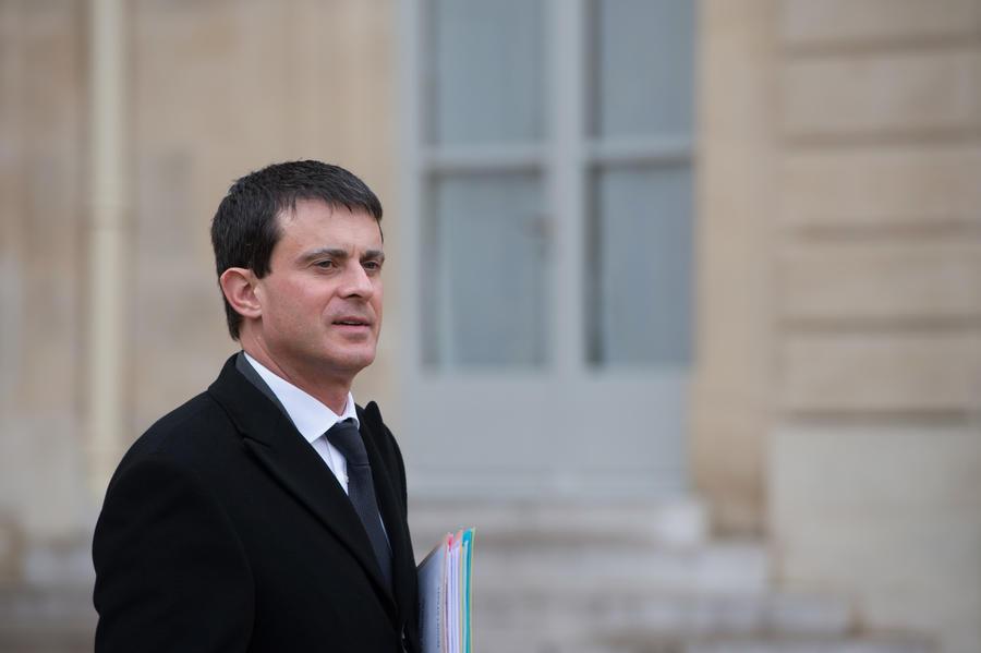 Министр внутренних дел Франции заставит спецслужбы следить за соотечественниками ещё усерднее