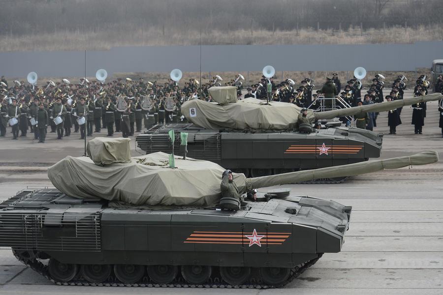 Эксперт рассказал RT о новейшей электронике, которой оборудуют танки «Армата»
