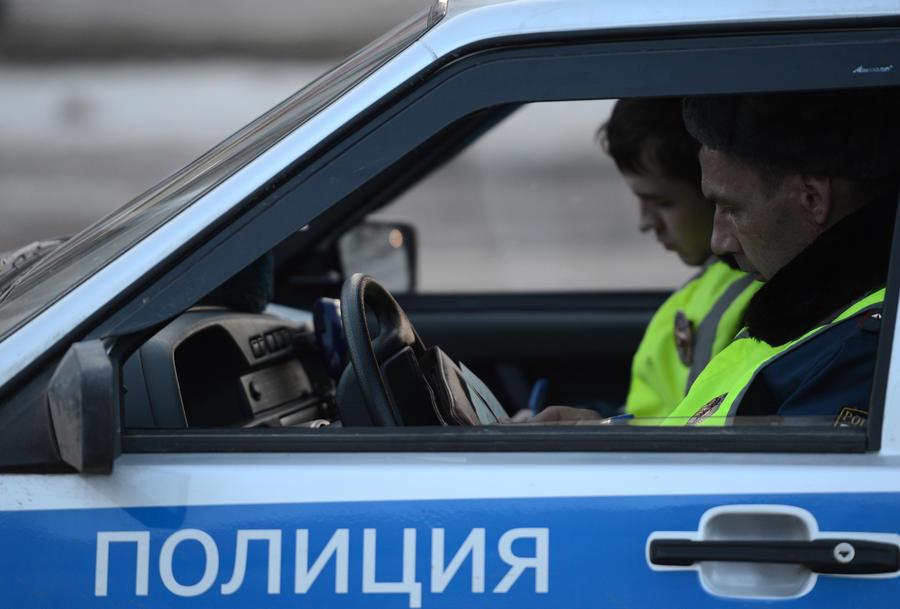 В Москве водитель застрелился во время проверки на посту ДПС