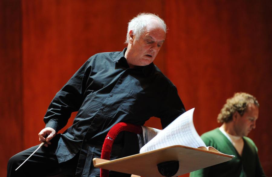 Театр La Scala вынужден экономить на операх