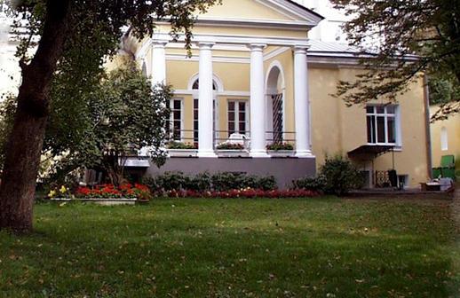 Иностранные посольства могут стать доступными для туристов