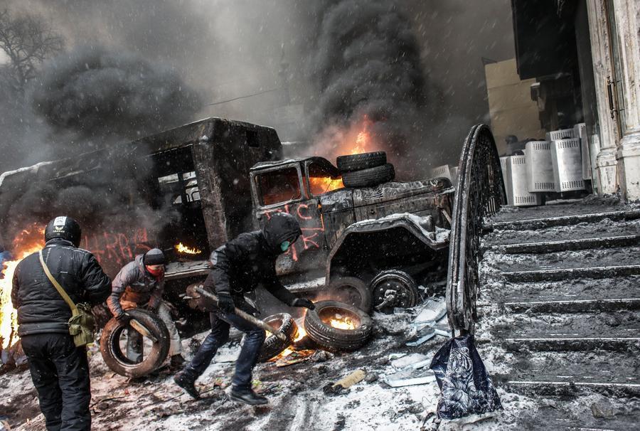МВД Украины: Автомобили в Киеве поджигают граждане Грузии