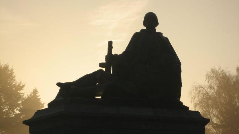Польше не дают покоя «реликты советской эпохи»