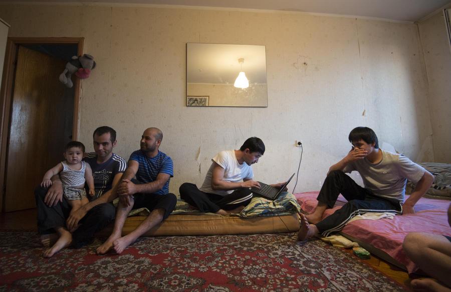ВЦИОМ: Среди россиян растёт негативное отношение к мигрантам