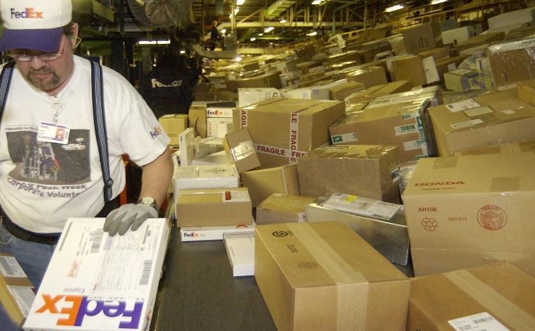 Почтовые службы оставили сотни американцев без подарков на Рождество